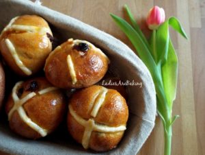 Hot Cross Buns cestino