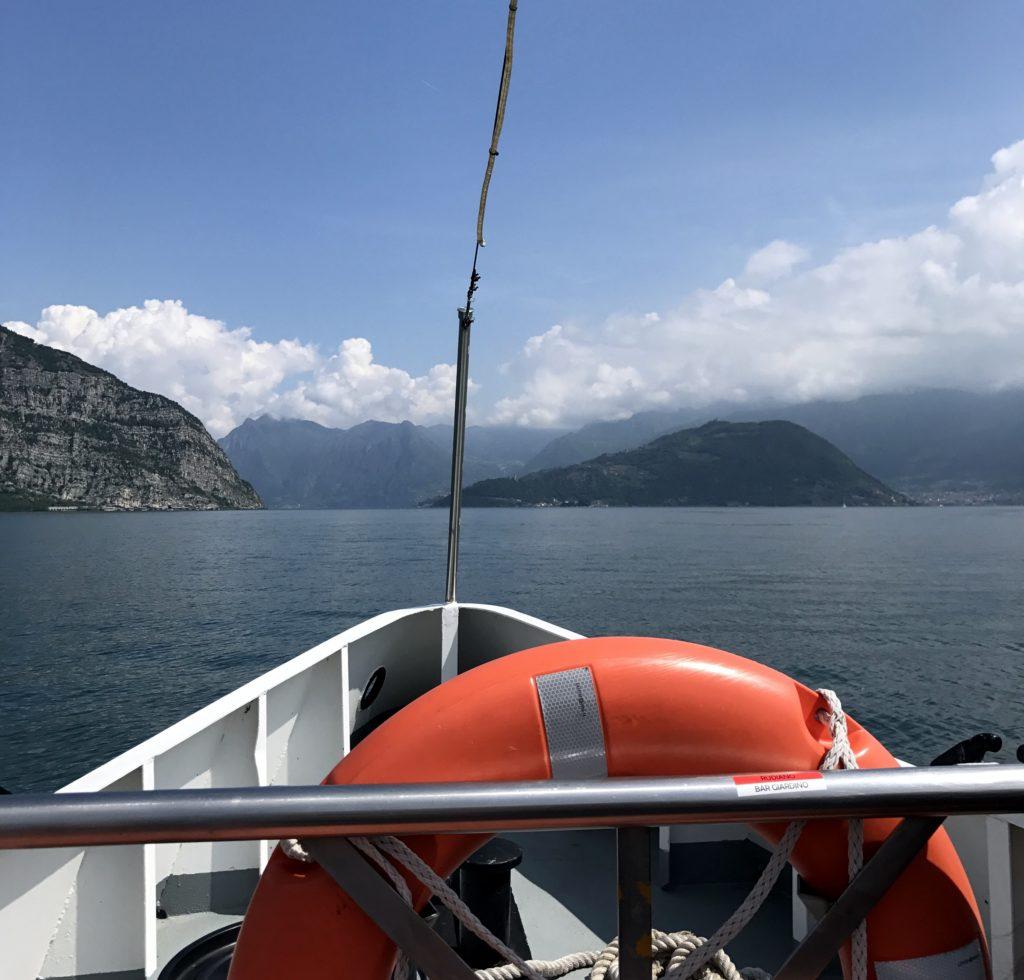 traghetto per monte isola