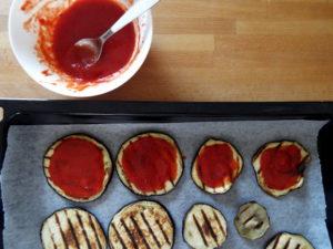 pizzette di melanzane passata di pomodoro